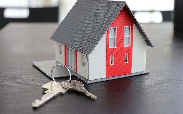 Maison miniature avec clé