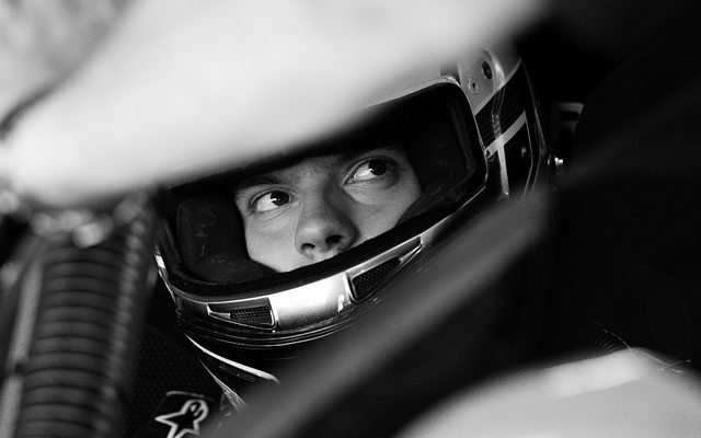 pilote sport auto